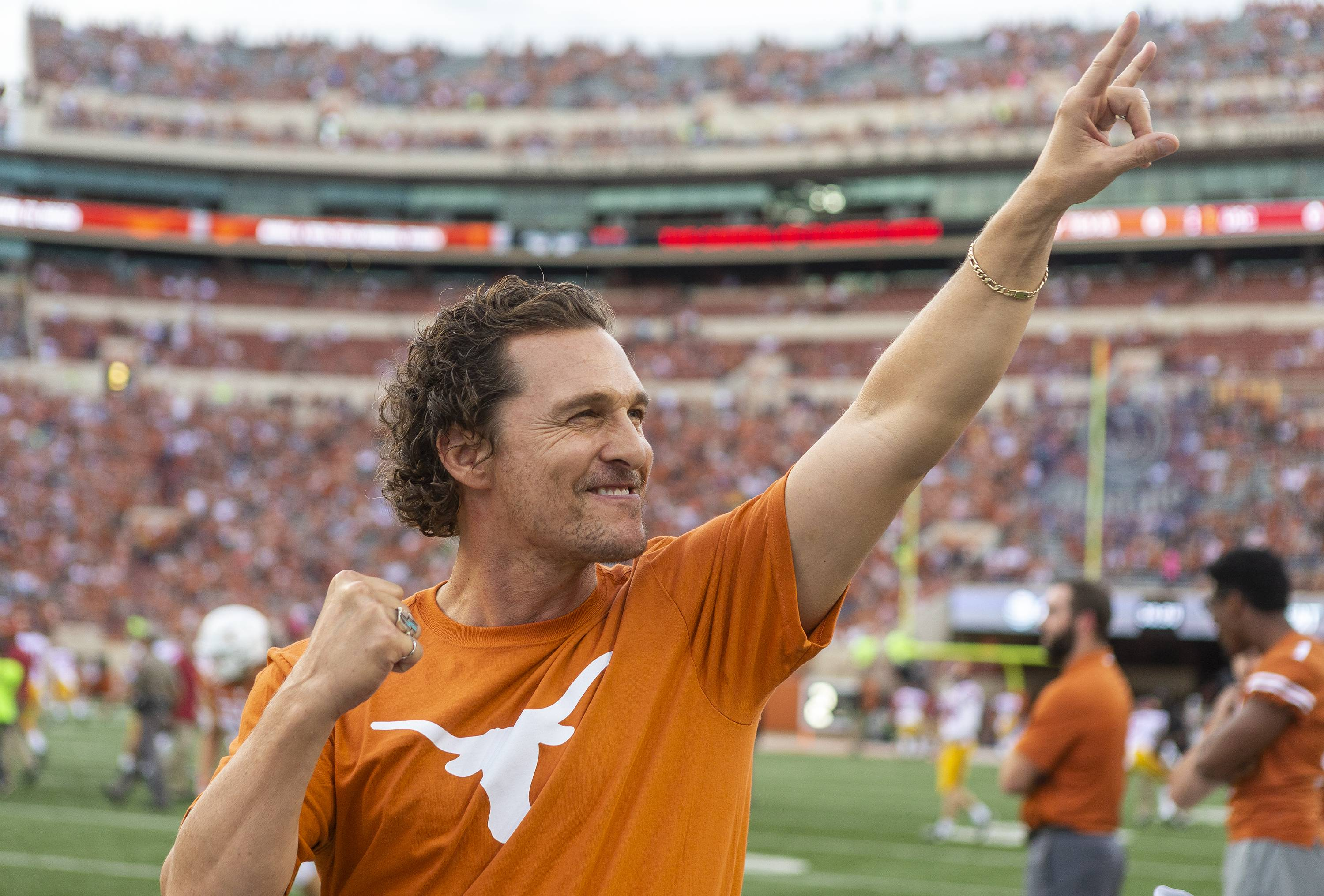 'He's trying to sell you a Lincoln MKZ': Texas fans respond to Sam Ehlinger's McConaughey-themed caption contest
