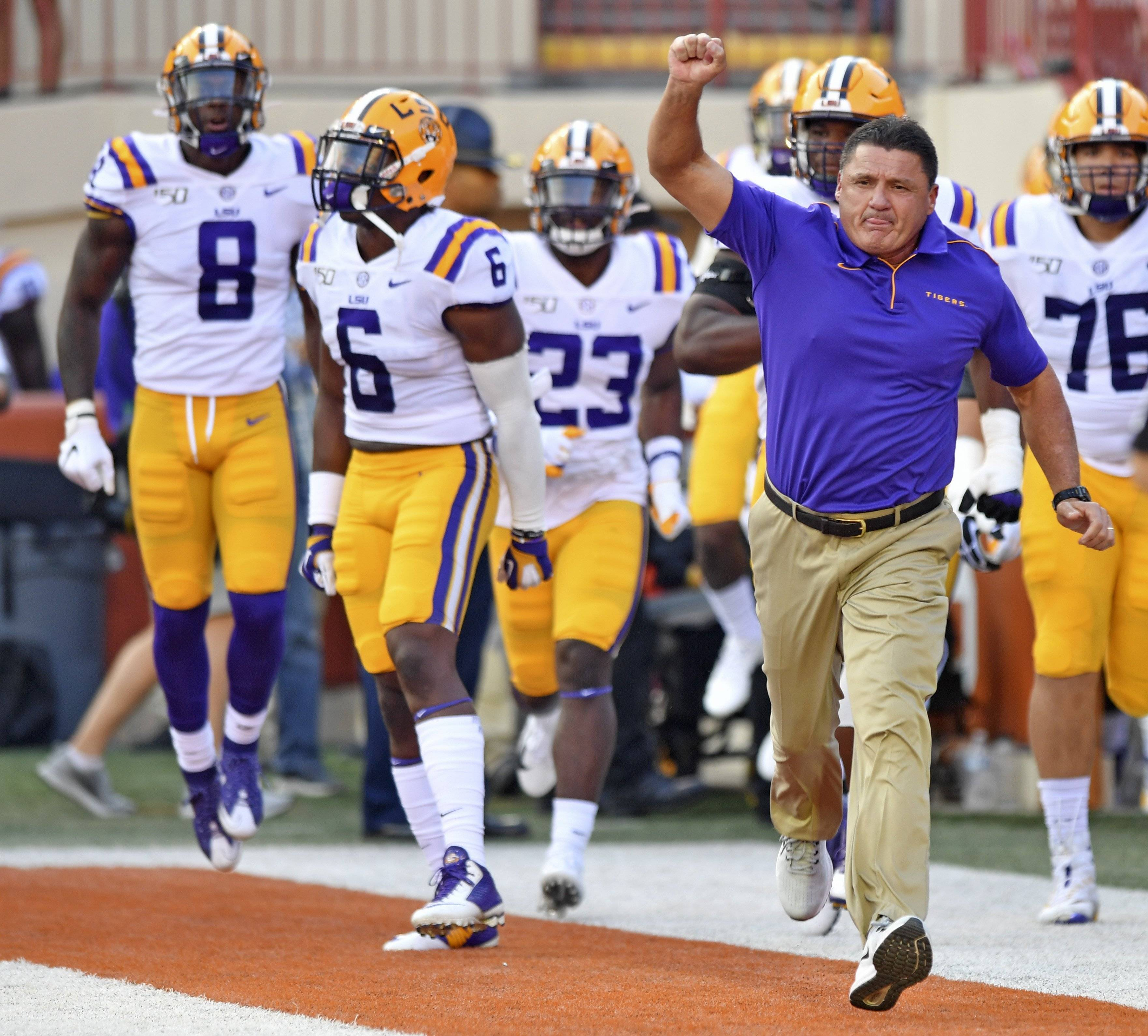 Hey, it's hot in here! No, Texas says LSU never complained about locker room air conditioner