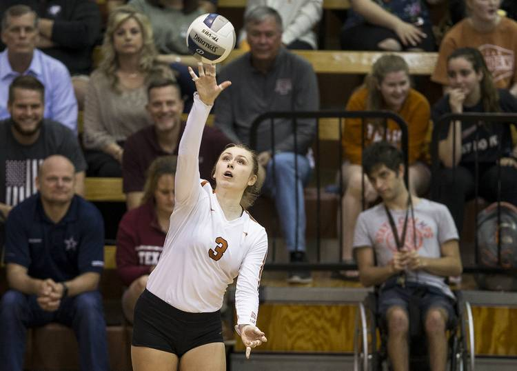 Ex-Longhorn setter Riley Fisbeck to close out her volleyball career at Alabama