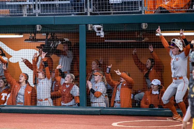 Texas softball team takes wins by walk-off and run-rule at Puerto Vallarta College Challenge