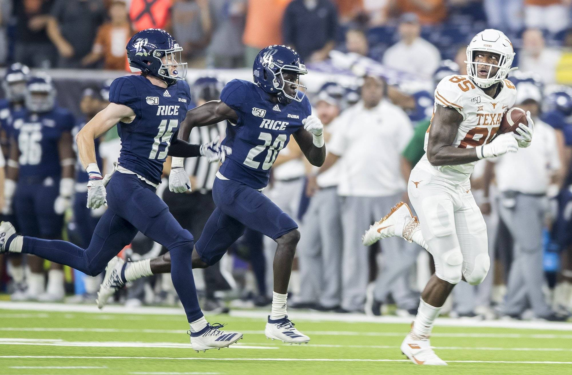 It's over: No. 12 Texas gets back on winning track in dominating fashion, 48-13 over Rice
