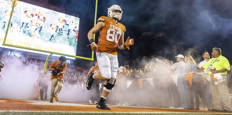 competitive price 1a00f 635d6 Texas Longhorns vs. Louisiana Tech Bulldogs | Hookem.com