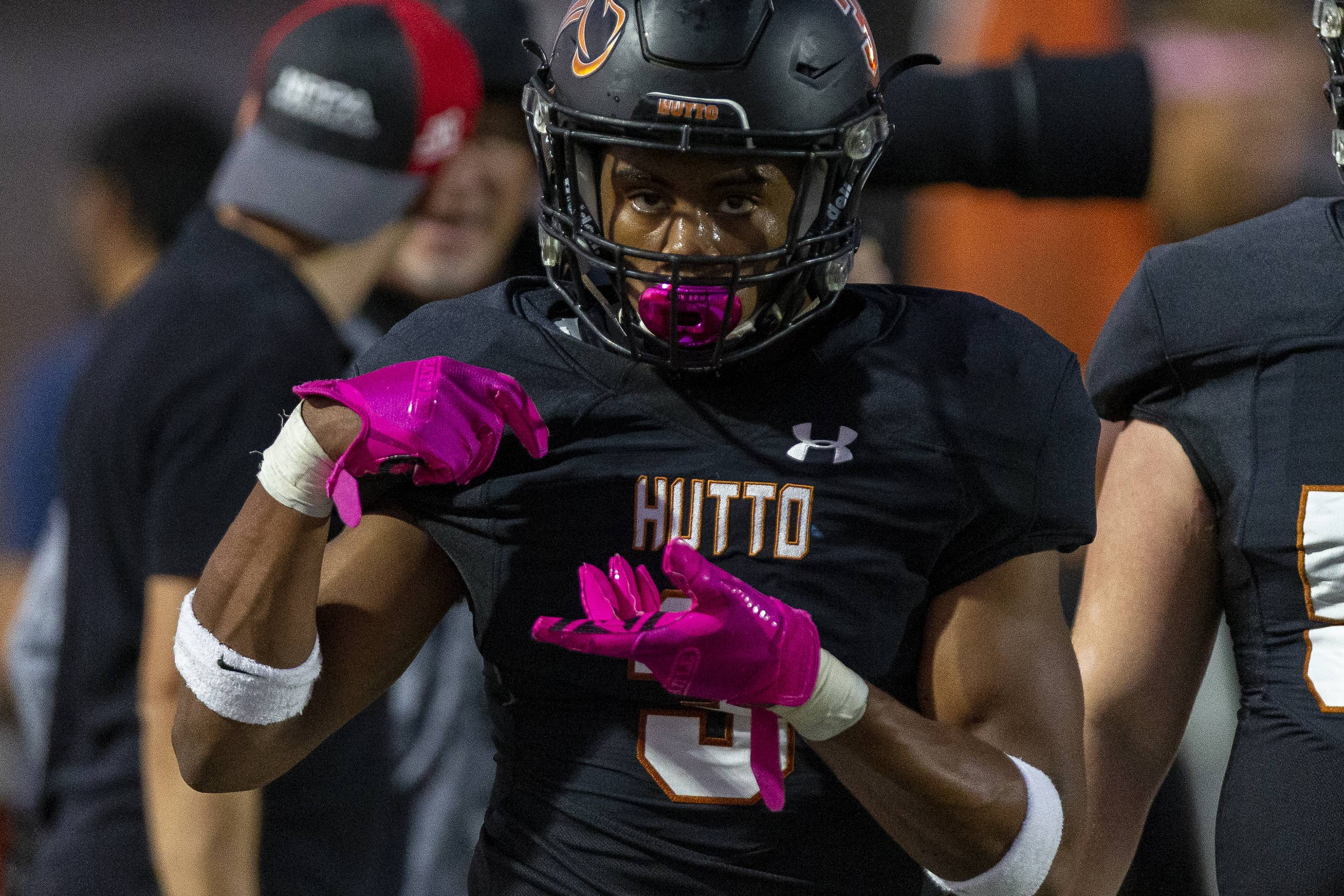 2020 Hutto athlete Dajon Harrison commits to Texas