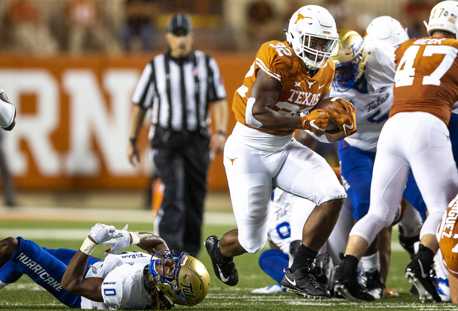 Texas loses more depth in its backfield as Daniel Young suffers an ankle injury